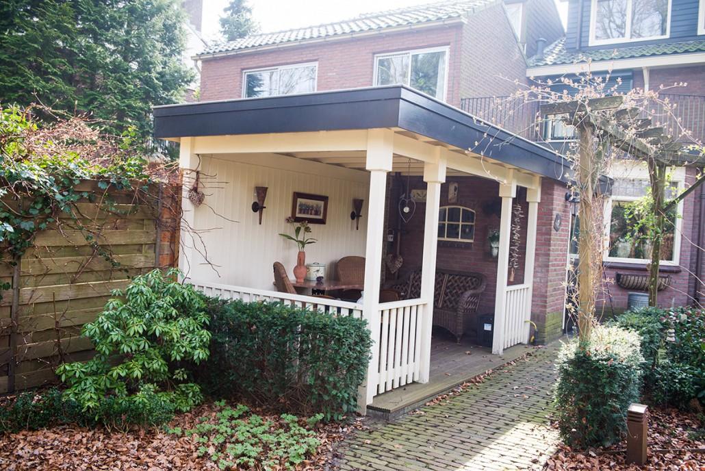 Veranda aanbouwen bij de bijkeuken in de tuin in ede schouten kleinbouw ede - Veranda met dakraam ...